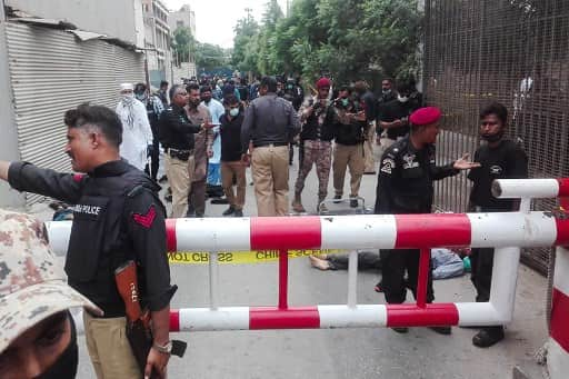 Karachi: Pakistan's stock exchange building under attack