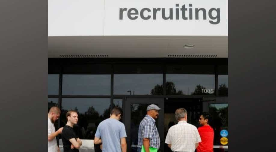 U.S. Weekly Jobless Claims Unexpectedly Drop To 209000