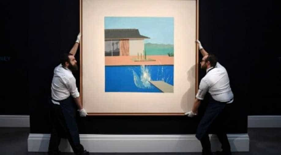 Hockney's pop art icon 'The Splash' sells for £23.1 mn