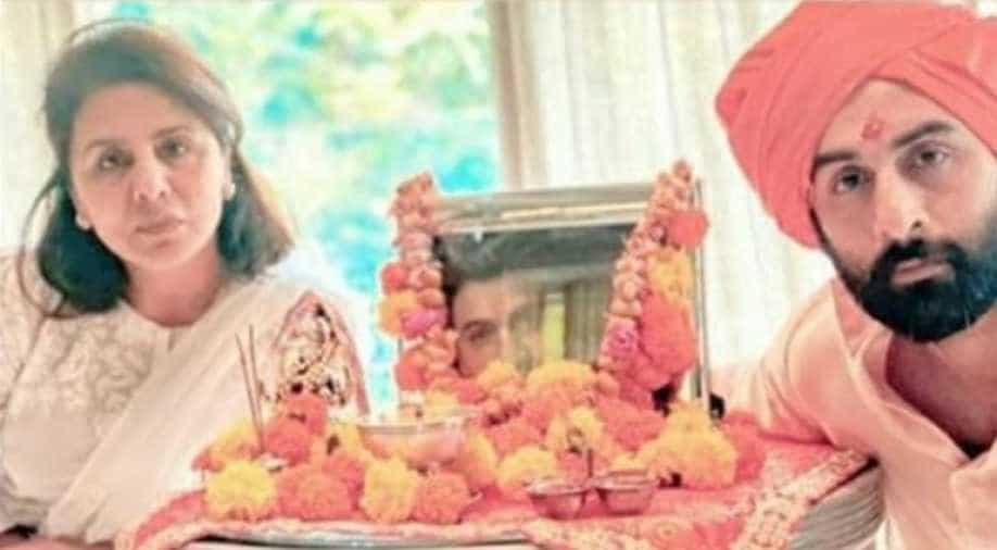 Neetu Kapoor extends gratitude to Rishi Kapoors doctors