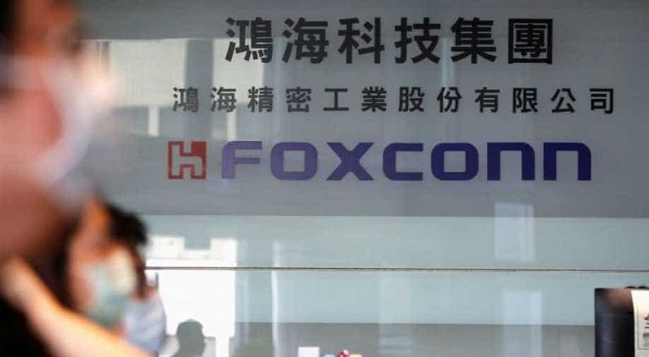 Apple Supplier Foxconn Will Hire 6000 Staff, Invest Rs 7500 Crore