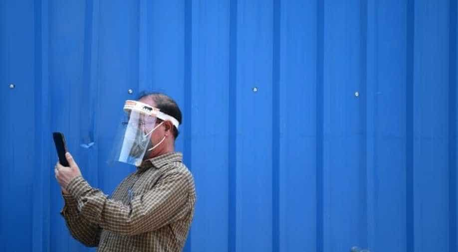 Plastic face shields don't work at protecting you from coronavirus