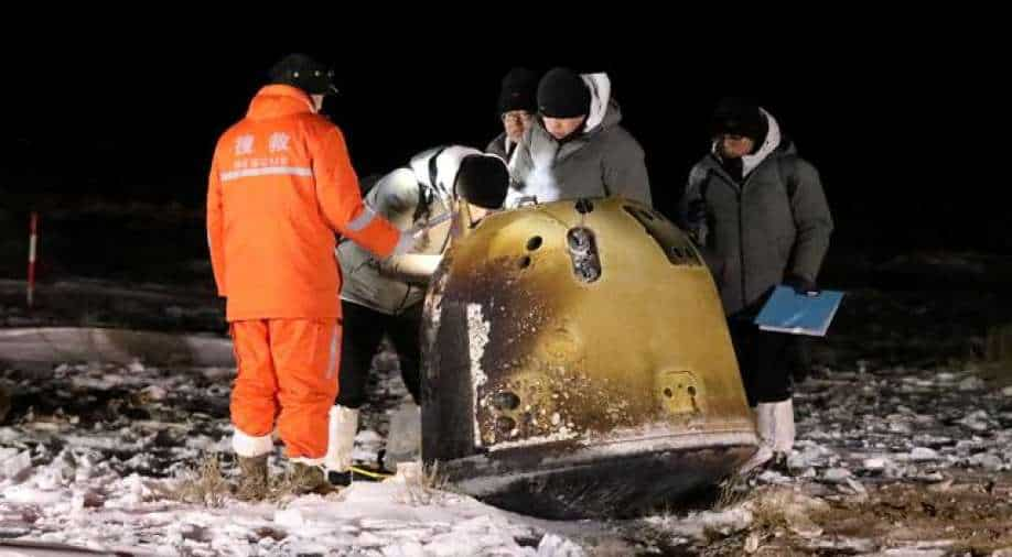 Chinese Craft Returns to Earth with Moon Rocks