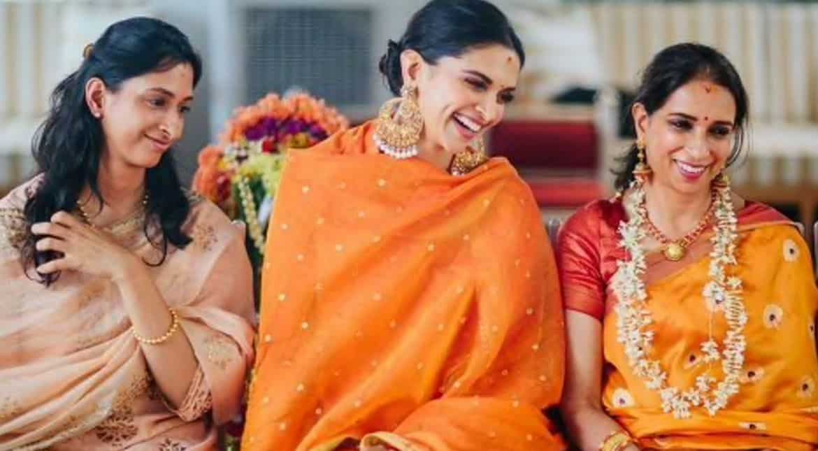 Deepika Padukone with sister and mother