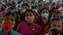 As the Sri Lankan elections are approaching, President Gotabaya Rajapaksa organised a rally this week to talk to his supporters. The supporters flocked to the ground with face masks on.