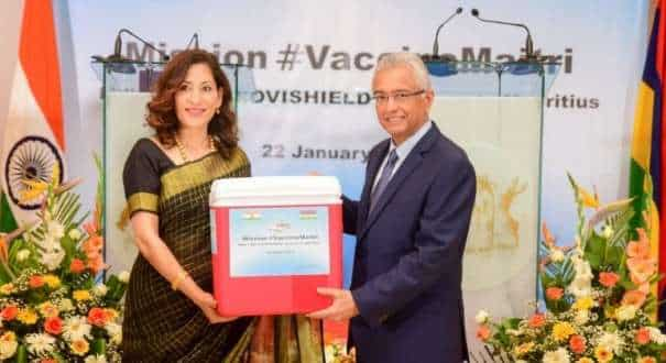 Mauritius Prime Minister Pravind Jugnauth and Indian envoy to the country Nandini Singla as COVID vaccines supplies reach (Image: Ministry of External Affairs)