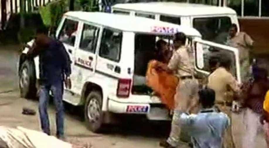 Sabarimala row: Kerala HC asks explanation from state govt