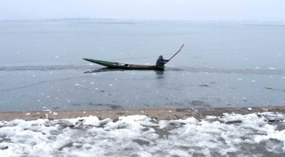 Jammu & Kashmir: Dal Lake freezes as Srinagar records lowest temperature in 28 years, India News News   wionews.com
